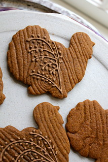 faux bois gingerbread turkeys