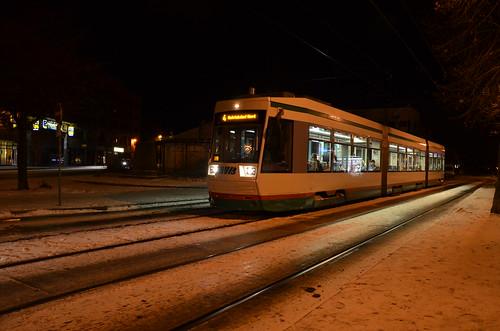 Tw der Linie 4 am Olvenstedter Platz