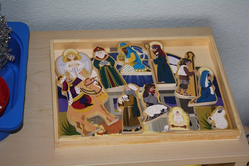 Montessori Nativity Activity Tray (Photo from Montessori MOMents)