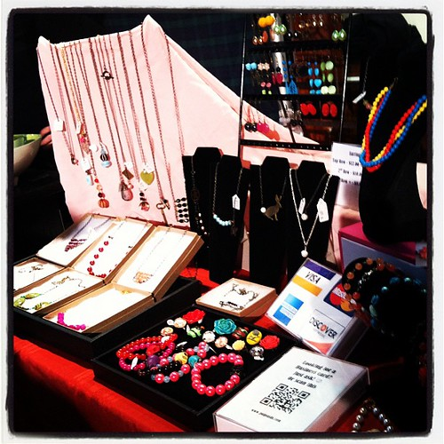 My tiny table at Howland but I make it work! :) #shophandmade #pulpsushi #jewelry #hudsonvalley