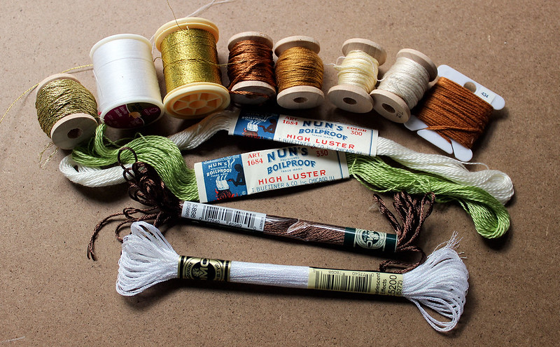 gathering threads - book review by floresita for Feeling Stitchy