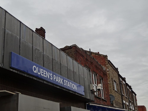 Queen's Park Station