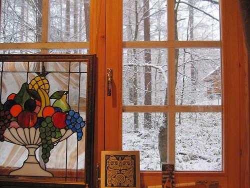 ミニログから雪を見る 2012.11.14 by Poran111