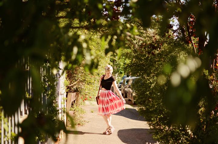 pink vintage skirt black f