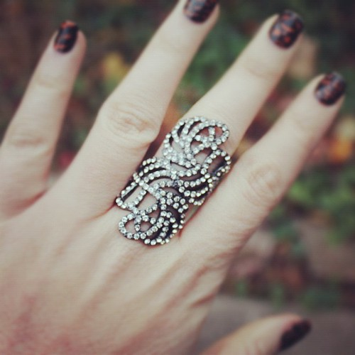 @mark_girl's new Just Your Luxe Ring is feature on my blog today!! Just the right amount of #everydaysparkle Check out what I styled it with! www.livingaftermidnite.com