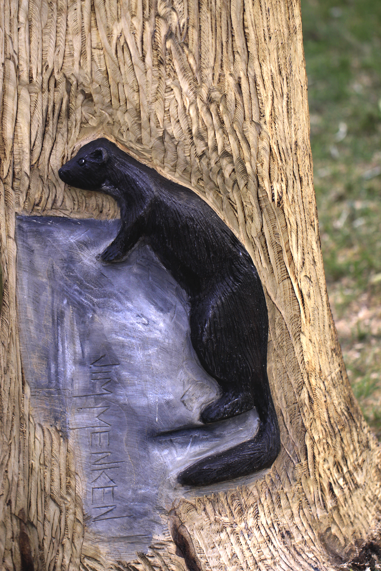 tree carving mink