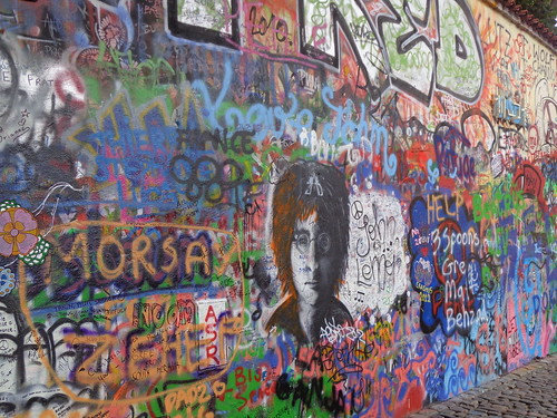 lennon-wall-close