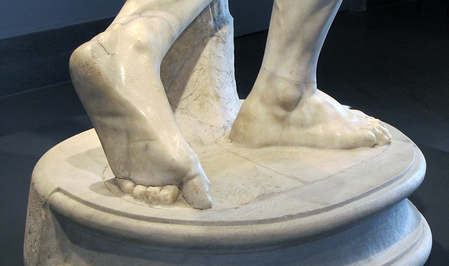 Myron, Discobolus, detail of feet   Flickr - Photo Sharing!