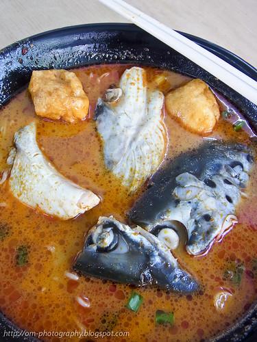 salmon fish head curry noodle R0019913 copy