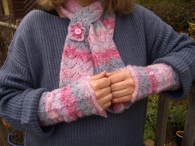 Gorgeous scarf and wristwarmers knitted by Brawlbin Crafts