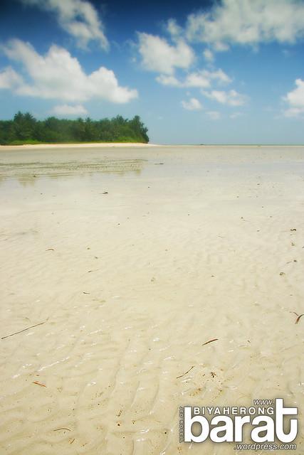 Cagbalete island Mauban Quezon sand bar