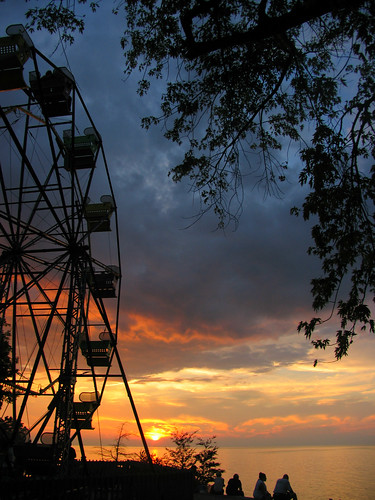 sunset ohio lakeerie fb ferriswheel genevaonthelake ashtabulacounty bigeli oldfirehousewinery erieviewpark