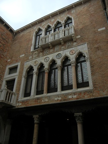 DSCN2120 _ Courtyard, Ca d'Oro, Venezia, 14 October
