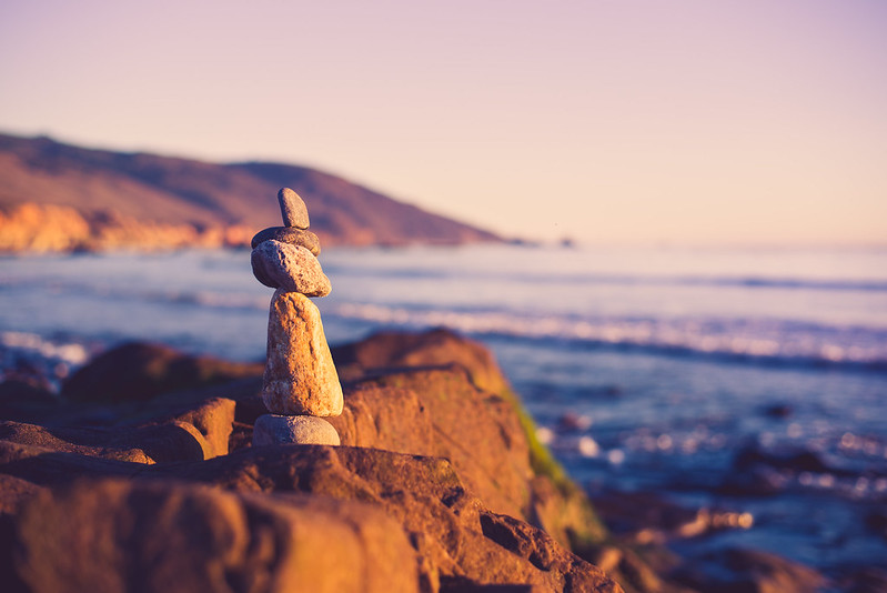 balancing rocks at big sur