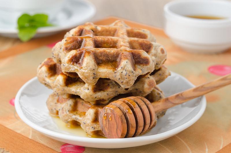 Вафли, манник, овсяное печенье и два рецепта с нутом waffles with lemon and poppy seeds_