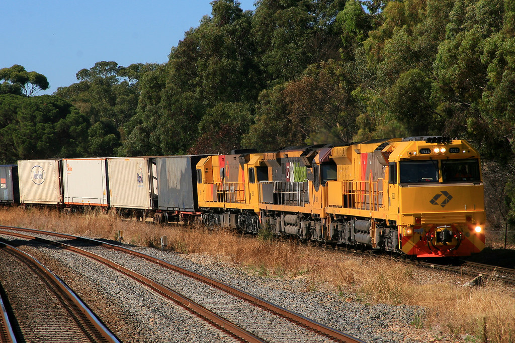 2MP1 6023+6006+2809 NTH ADELAIDE by Trackside Photography Australia