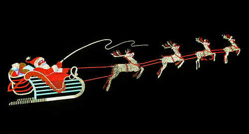 santa christmas reindeer lights store holidays downtown display pentax lightbulbs indiana christmaslights departmentstore bulbs santaclause sled k5 fortwayne allencounty pncbank santadisplay smcpda1645mmf40edal wolfanddessauer