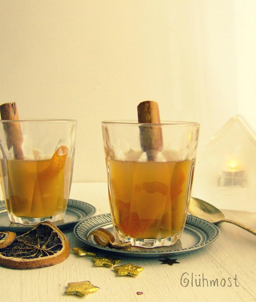 Glühmost o bebida especiada de manzana