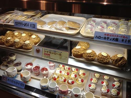 ドリームカフェではかわいいお菓子たちがいっぱい。@サンリオピューロランド