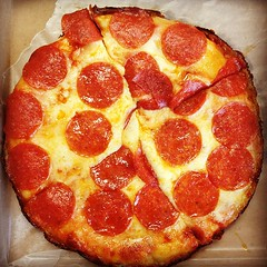sicilian pizza, pizza cheese, pizza, salt-cured meat, food, dish, cuisine, pepperoni,