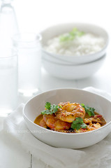 Shrimp in ginger and coconut sauce