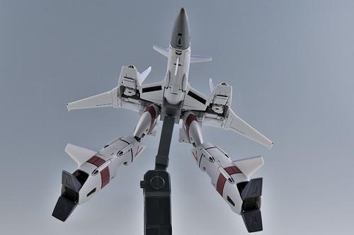 やまと 完全変形 1/60 VF-4G Lightning III ガウォークファイターへ変形