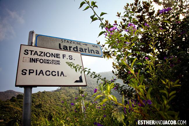 signs to train station in Corniglia | Cinque Terre Italy | Travel Photography