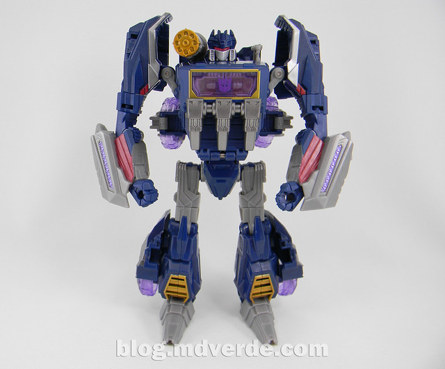 Transformers Soundwave Voyager - Generations Fall of Cybertron - modo robot