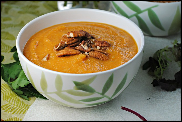 sweetpotatoapplechipotlesoup1