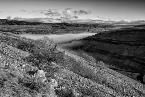 uk light landscape countryside hills explore valley craven northyorkshire yorkshiredales settle arncliffe canon1740f4 flickrexplore explored cloudinversion flickrexplored canon5dmk3 cowsidebeck markmullenphotography