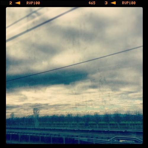 Nuvole ad alta velocità. / @danieledantonio @muuffa
