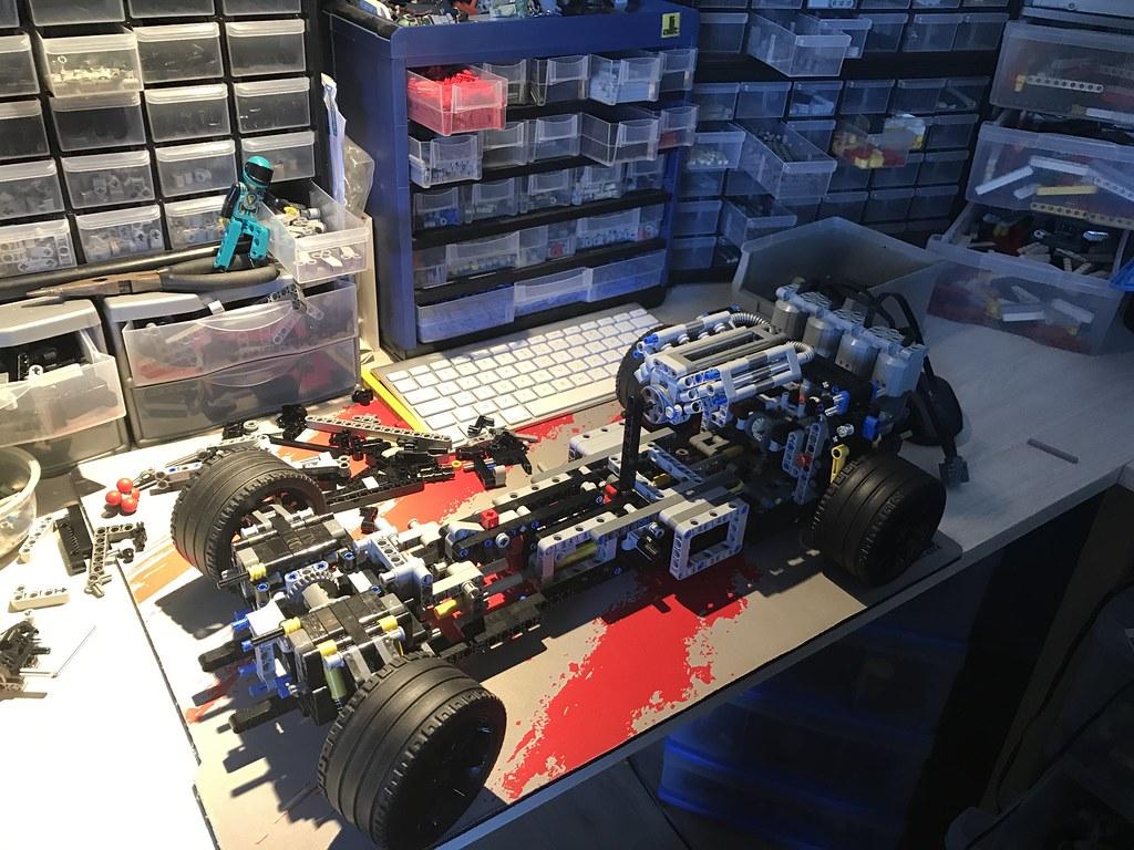 New Lego Technic 2018 >> [WIP] Bugatti Chiron 1:8 - LEGO Technic and Model Team - Eurobricks Forums