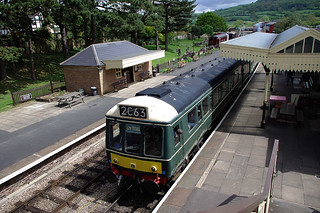 RD11057.  Heritage DMU at Winchcombe on the Gloucestershire Warwickshire Railway.