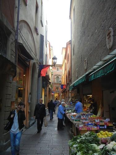 DSCN3204 _ Via Marchesana, Bologna, 16 October