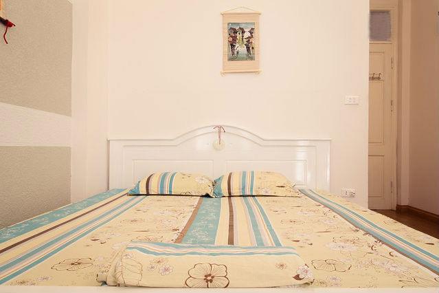 mike homestay bedroom