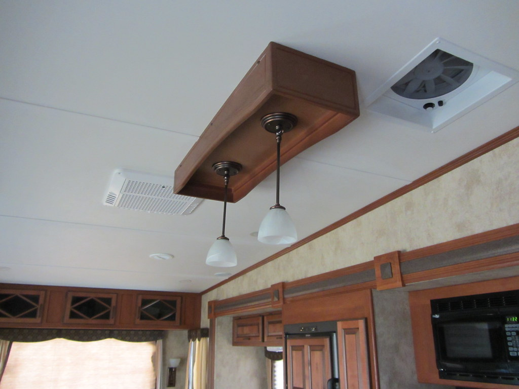 Hanging Lights Over Kitchen Island Power Vent To Right Of