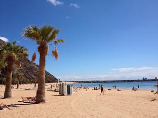 صورة  Playa de las Teresitas قرب  Santa Cruz de Tenerife. tenerife espagne ilescanaries santacruzdeténérife