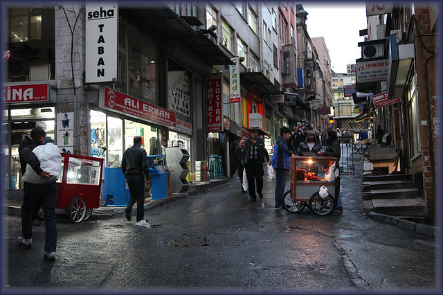 Istanbul-streets by night_9707