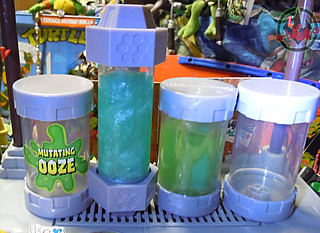 "Nickelodeon  TEENAGE MUTANT NINJA TURTLES :: MUTAGEN OOZE xxxi / with ""TMNT MUTATIONS"" OOZE containers '03 (( 2013 ))"