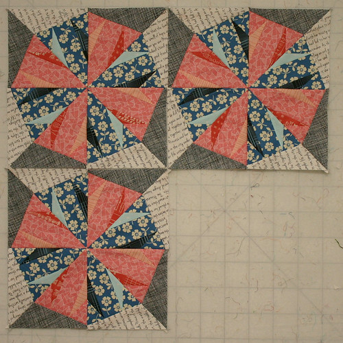 Todays progress at the #tampamodernquiltguild sew day...bit to shabby considering i did all my cutting there! Working on a 12 block quilt here...