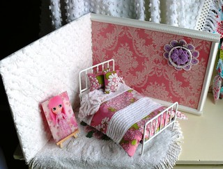 My First Attempt of a Blythe Doll Roombox