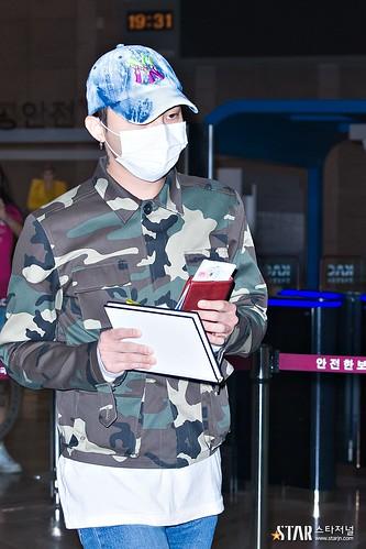 BIGBANG wout Seungri departure Seoul to Tokyo 2016-08-26 2 (25)