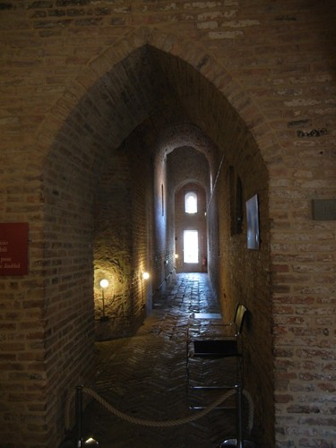 DSCN4100 _ Dungeon of Castello Estense, Ferrara, 17 October