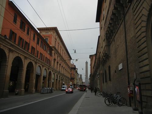 DSCN4453 _ Torre degli Asinelli and Palazzo D'Accursio (Palazzo Comunale), 18 October