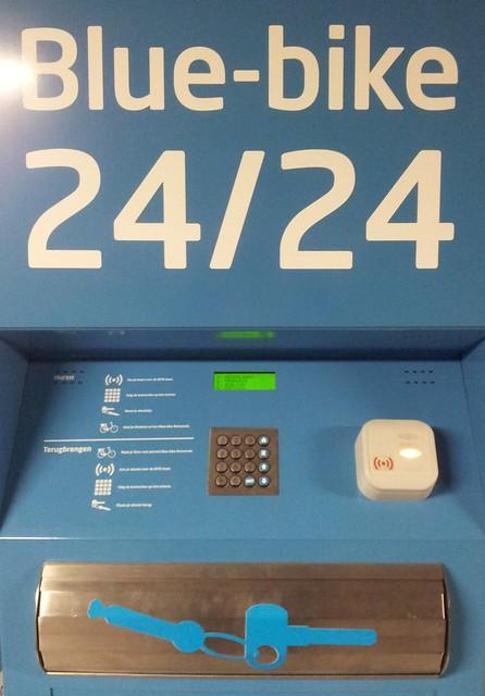 De sleutelautomaat van Blue-bike