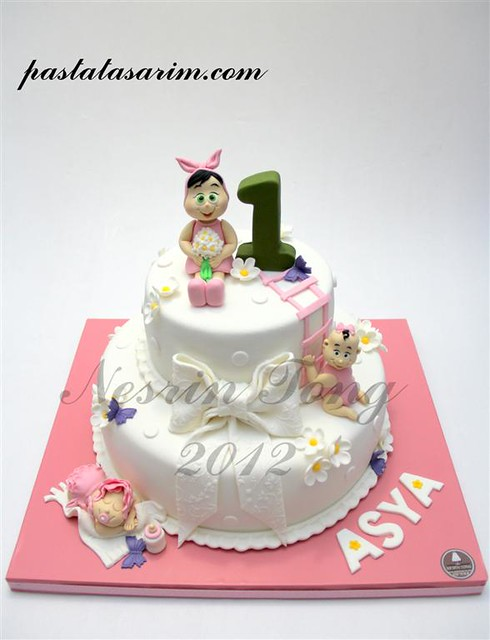 asya 1st.birthday cake (Medium)