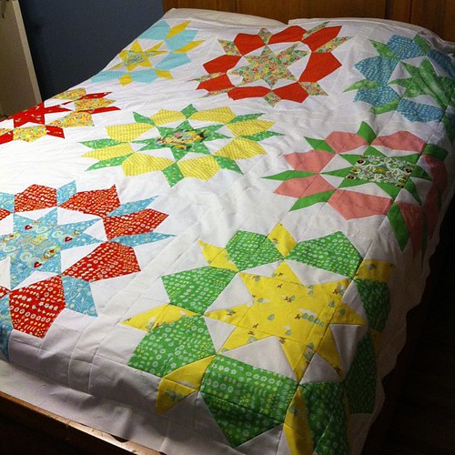 Oh, joy of joys my Swoon quilt top is done!!!! Well, done for now anyway. I think I'll add a border to make it a true queen size. #finishit2013 @croskelley @imagingermonkey