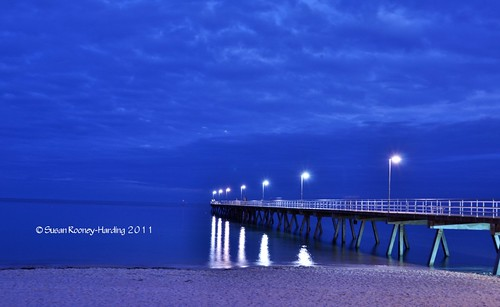 ocean beach sunrise adelaide southaustralia glenelg supermoon cloudsstormssunsetssunrises