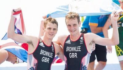 Olympijský triatlon: Alistair Brownlee vyhrál před bratrem Jonnym