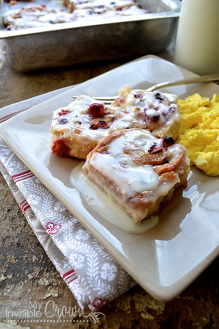 Glazed-Cranberry-Orange-Rolls
